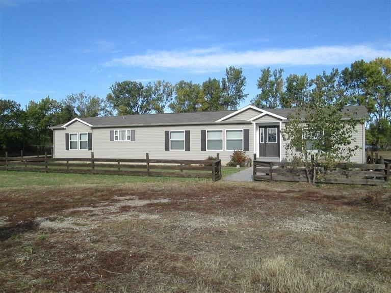 Real Estate for Sale, ListingId: 25728304, Emporia,KS66801