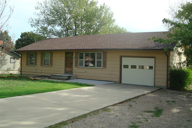 Rental Homes for Rent, ListingId:27733397, location: 620 Weaver Emporia 66801