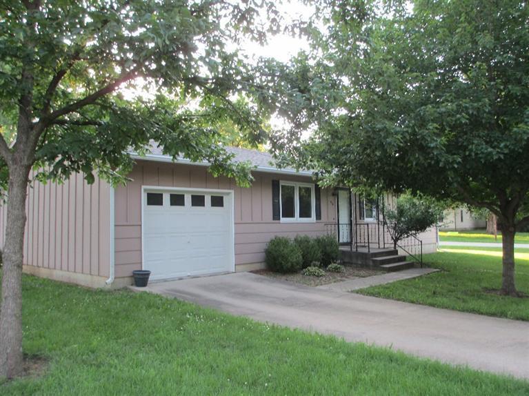 Real Estate for Sale, ListingId: 28565093, Burlington,KS66839