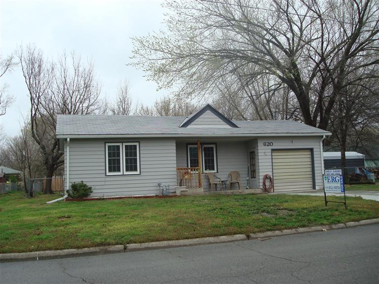 Rental Homes for Rent, ListingId:29172518, location: 620 East Kansas Ave Emporia 66801