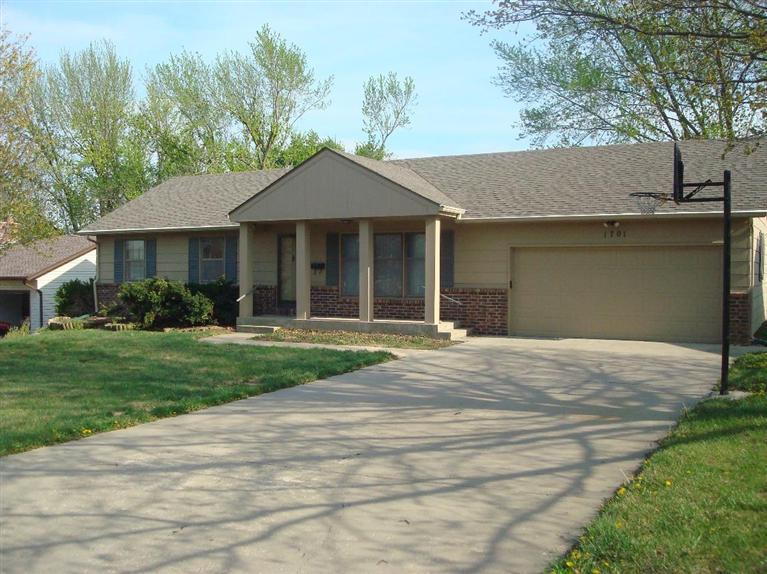 Rental Homes for Rent, ListingId:30063098, location: 1701 casa loma Emporia 66801
