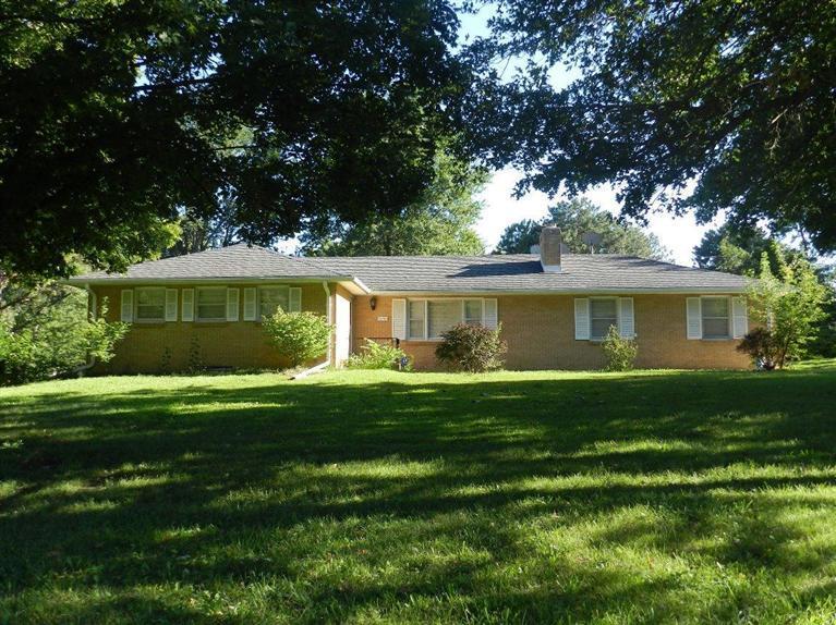 Rental Homes for Rent, ListingId:30213927, location: 2159 Morningside Emporia 66801