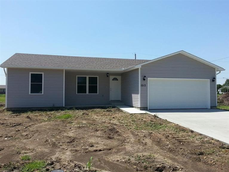 Rental Homes for Rent, ListingId:30599067, location: 1213 Red Wheat Dr Emporia 66801