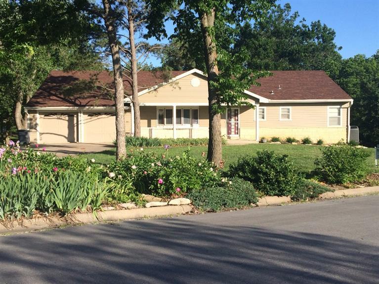 Real Estate for Sale, ListingId: 33395624, Emporia,KS66801