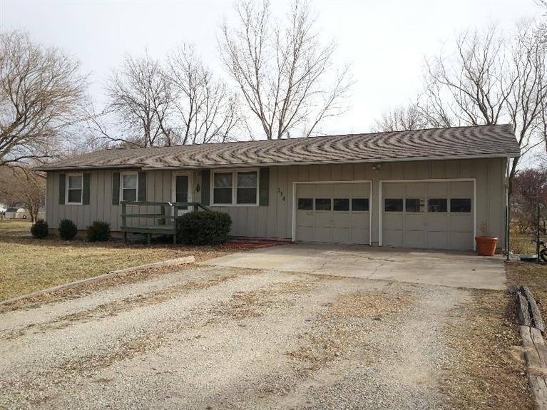Real Estate for Sale, ListingId: 33997456, Americus,KS66835