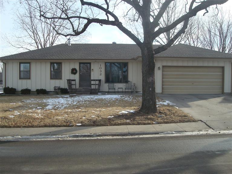 Rental Homes for Rent, ListingId:34099969, location: 1032 Whildin Emporia 66801