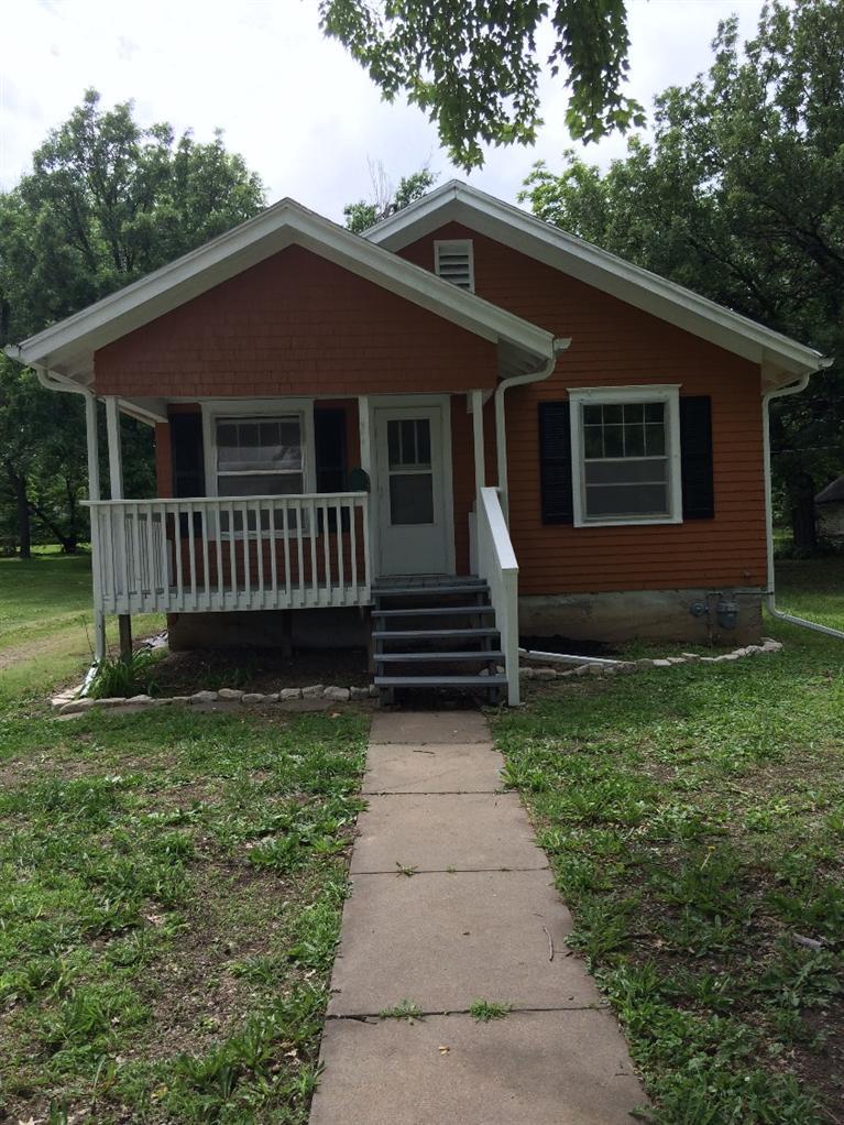 Rental Homes for Rent, ListingId:36858607, location: 1413 Center Emporia 66801