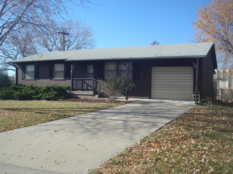 Photo of 801  Oakwood Drive  Emporia  KS
