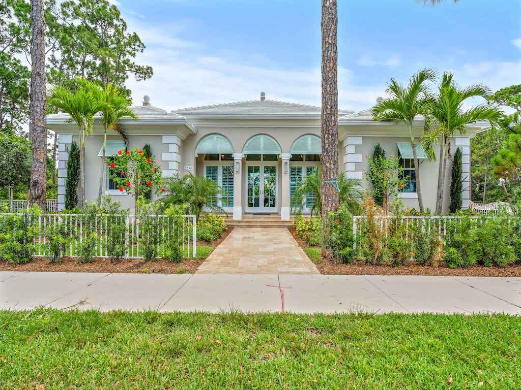 166 SE Via Lago Garda, one of homes for sale in Port Saint Lucie
