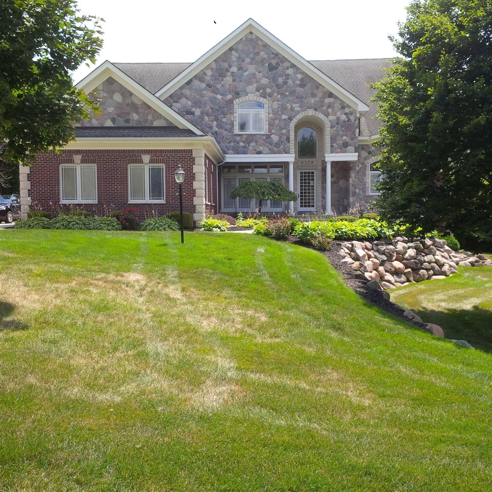 Playful Michigan Pool House: Pool Homes For Sale In Grand Blanc