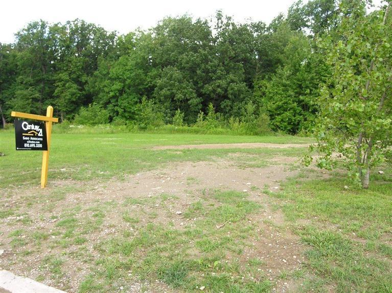 0.52 acres by Grand Blanc, Michigan for sale