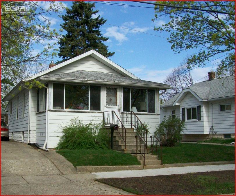 Photo of 2433 North Vernon Avenue  Flint  MI