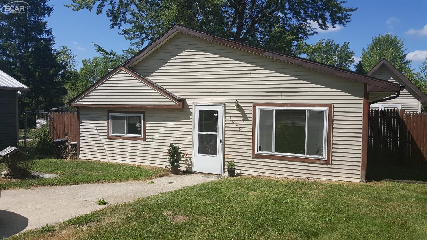 Photo of 1049 East Pine Avenue  Mt Morris  MI