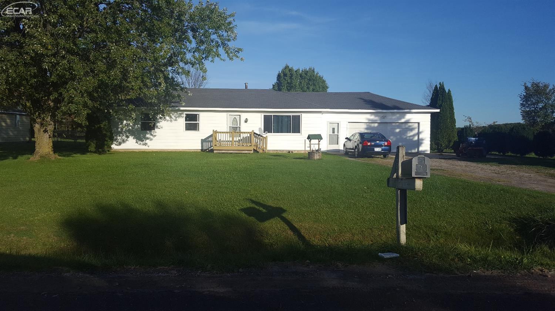 1458 Nichols Rd, Flushing, MI 48433