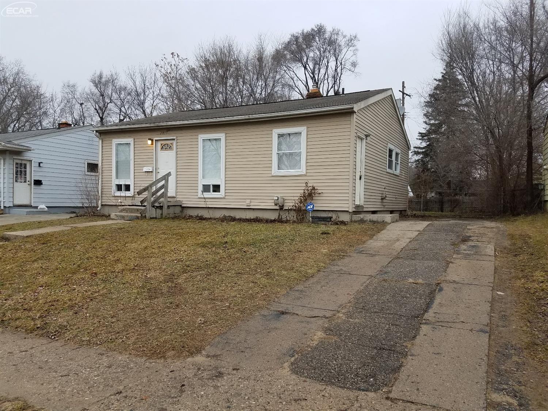 Photo of 2817 East Plainfield Avenue  Flint  MI