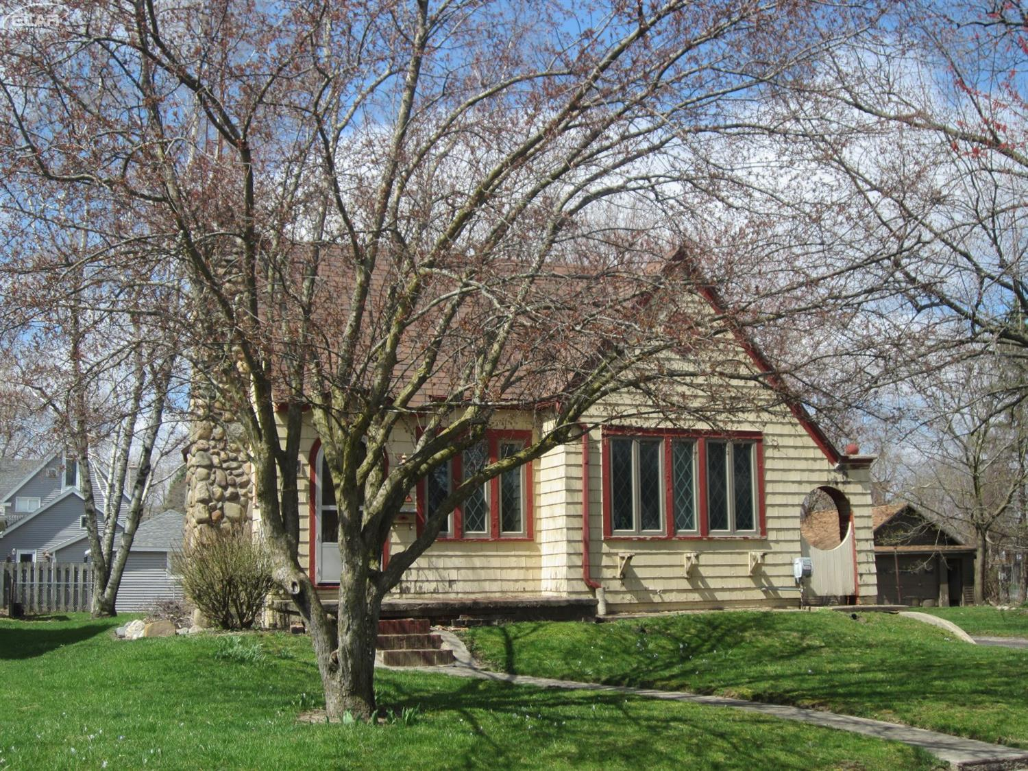 Photo of 509 North Marquette Street  Durand  MI