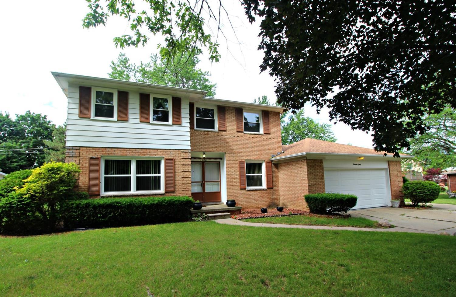 Photo of 1380  Sentinel Ridge Drive  Flint  MI