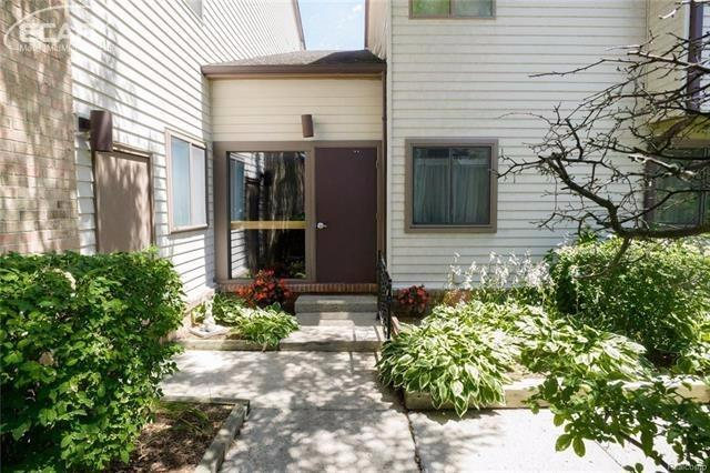 Photo of 4471  Laurel Club Circle  West Bloomfield  MI