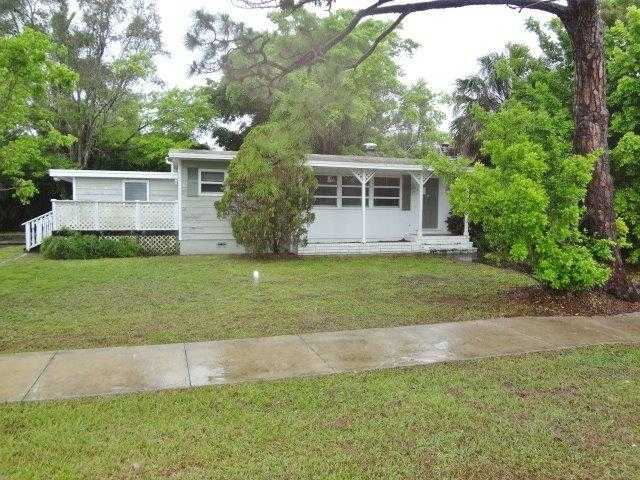 1545 Grove Ave, Fort Myers, FL 33901