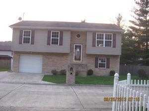12 Whispering Pines Ln, Huntington, WV 25704