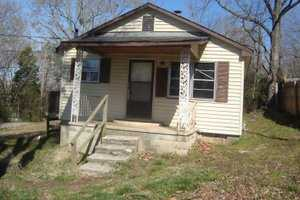 514 Foster St, Paris, TN 38242