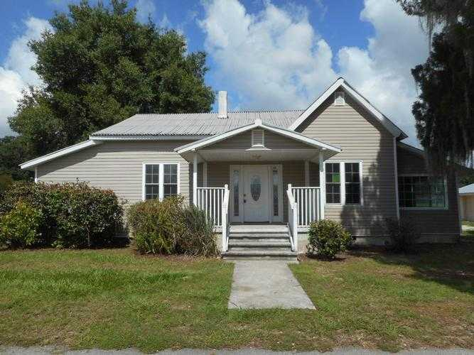 Photo of 616 S PERRY AVE  FORT MEADE  FL