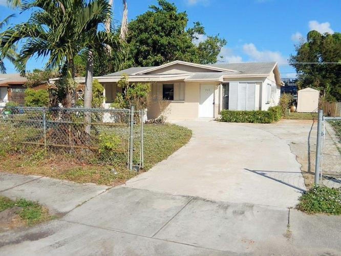 708 NW 1ST WAY DEERFIELD BEACH, FL 33441