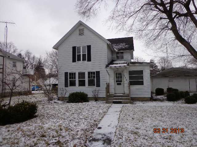 130 N 2nd St, Waterville, OH 43566