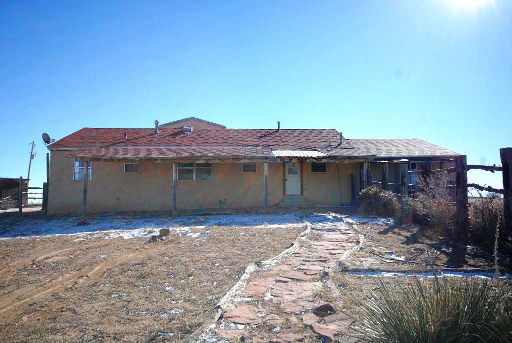 301 Walker Rd, Moriarty, NM 87035