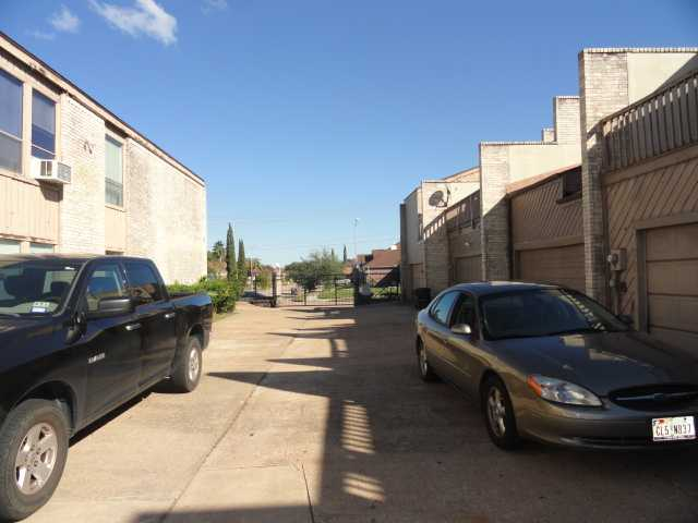 11280 Braes Frst # 202, Houston, TX 77071