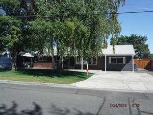 2121 W Lakeside Dr, Moses Lake, WA 98837