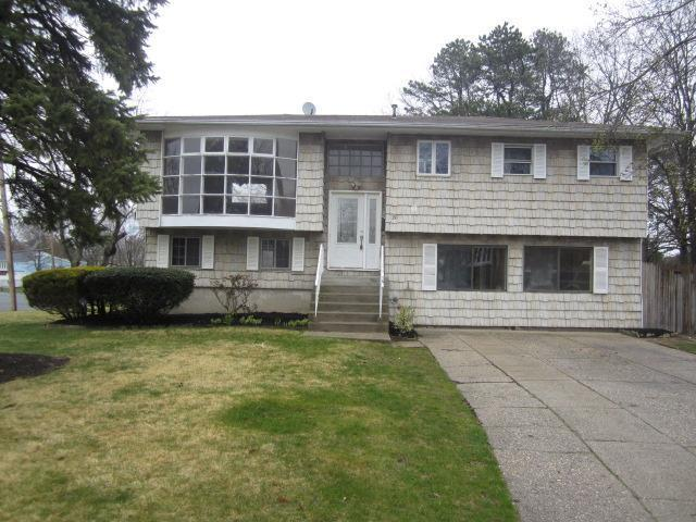 26 URN CT BRENTWOOD, NY 11717