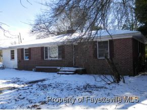 226 E 5th Ave, Red Springs, NC 28377
