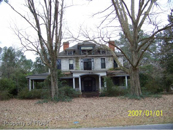 506 E 3rd Ave, Red Springs, NC 28377