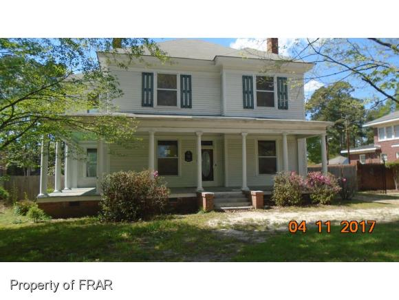 Photo of 319 N PATTERSON ST  MAXTON  NC