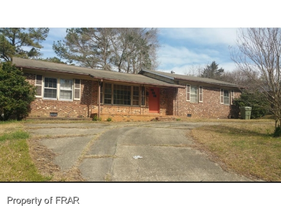 Photo of 1090 ESSEX PL  FAYETTEVILLE  NC