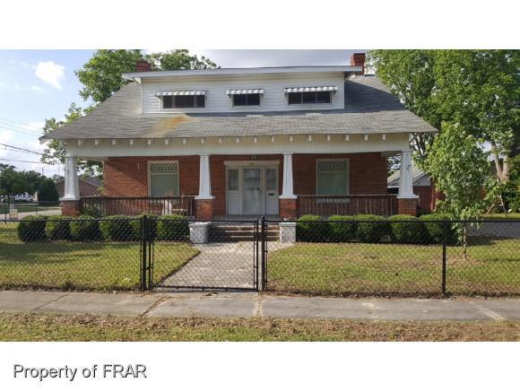 122 W McLean Saint Pauls, NC 28384