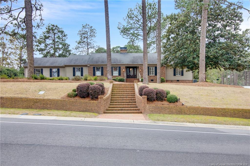 1200 Longleaf Drive, Fayetteville, North Carolina