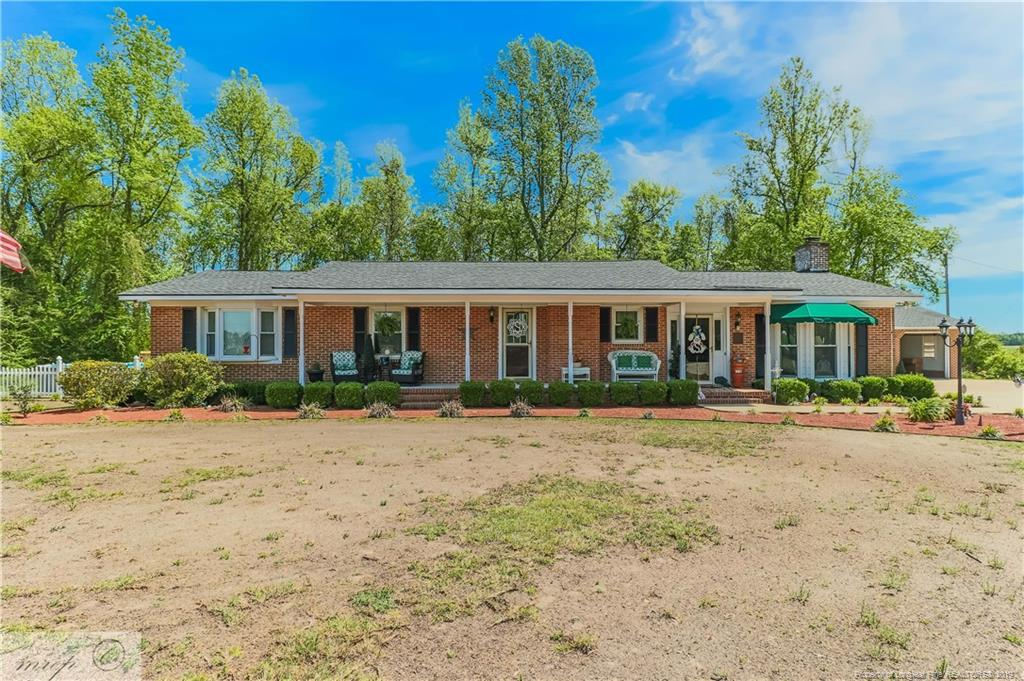 1775 Howard Road Autryville, NC 28318