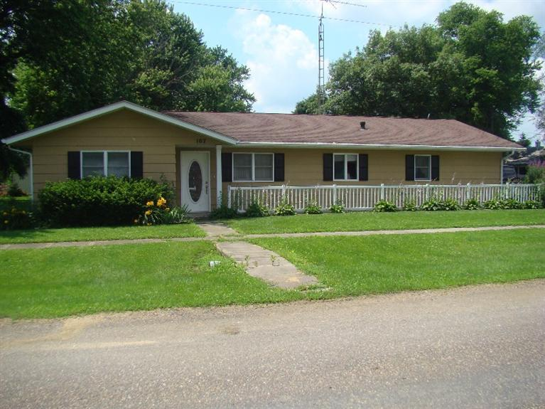 107 N Walnut St, Richland, IA 52585