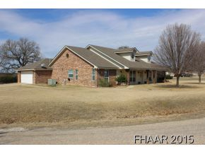 900 River Rd, Gatesville, TX 76528