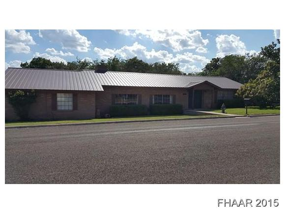 102 S Willis St, Lampasas, TX 76550