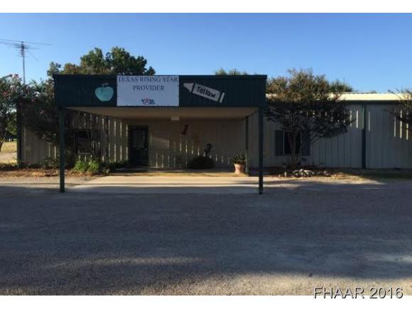 1106 W 22nd St, Cameron, TX 76520