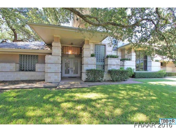 Photo of 716 Willow Creek Road  Salado  TX