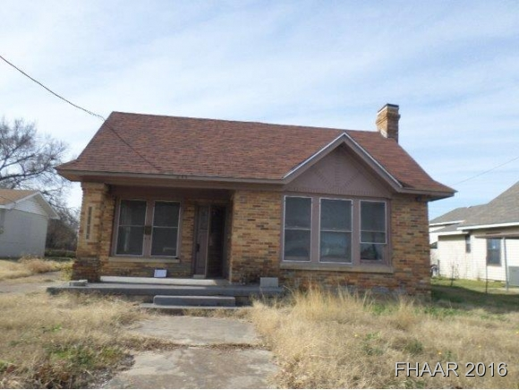 Photo of 211 N Lutterloh Avenue  Gatesville  TX
