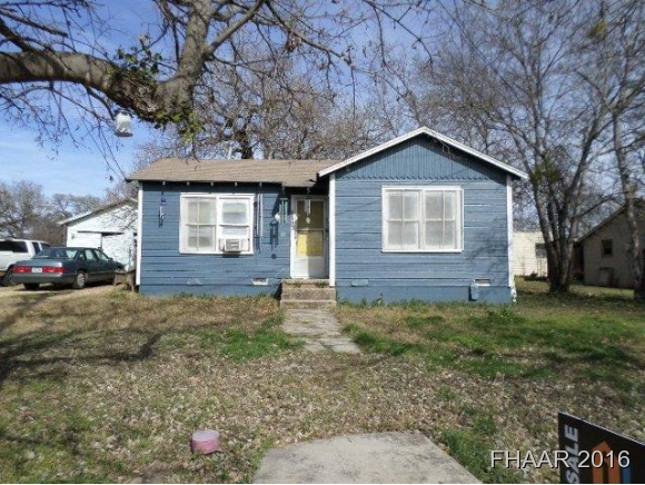 Photo of 2305 Bridge Street  Gatesville  TX