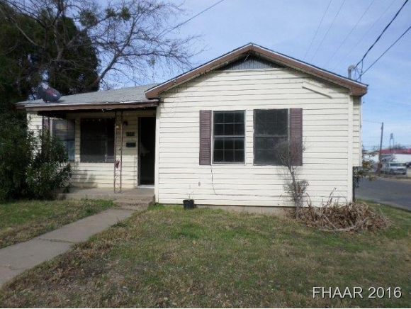 Photo of 1507 Bridge Street  Gatesville  TX