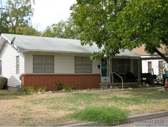 Photo of 408 S 6th Street  Gatesville  TX