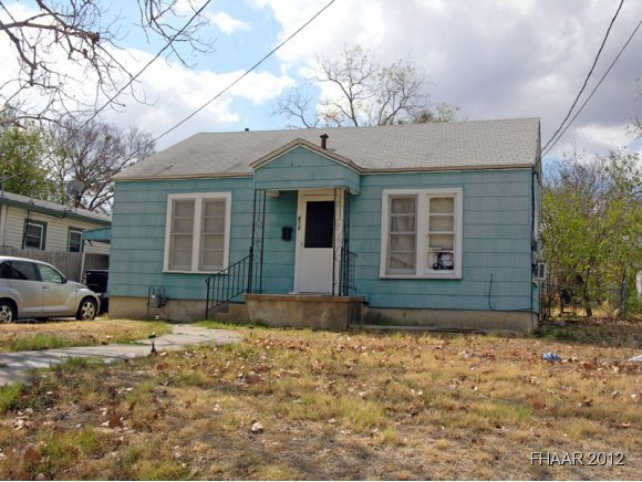 Photo of 612 Park Street  Gatesville  TX