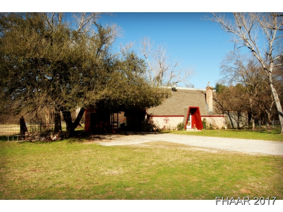 Photo of 304 River Oaks Drive  Gatesville  TX